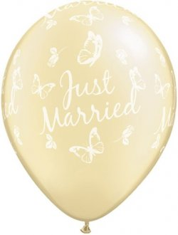 "11"" Pearl Ivory Just Married Butterflies Latex Balloons 25pk"